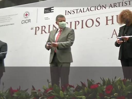"""Expo """"Principios Humanitarios Aquí y Ahora"""" en el exterior del Senado"""