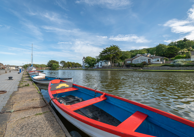 Bude Canal Rowing Boats.png