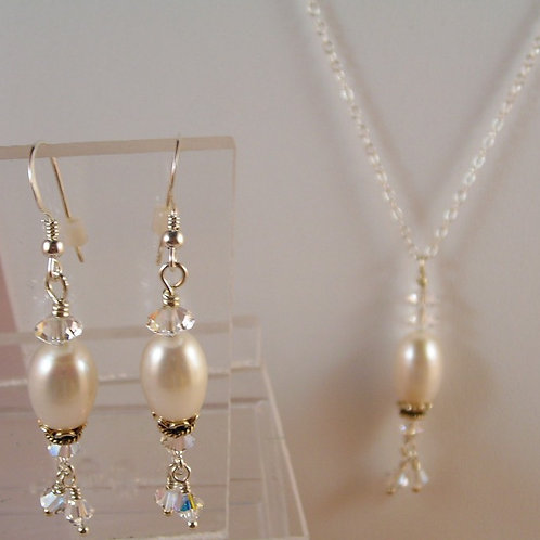 #S2555. Pearl  Necklace and Earring Set