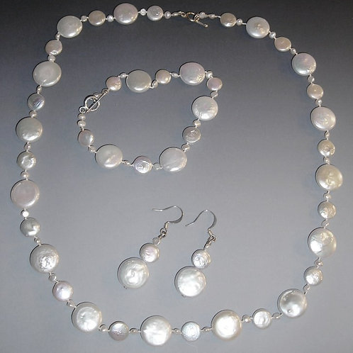 Pearl Necklace Bracelet and Earring Set