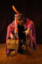 La magicienne des couleurs, spectacle les sept flèches de l'arc en ciel, compagnie oiseau lyre