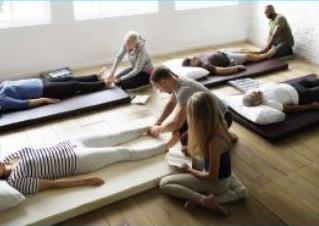 Deux ateliers de conscience corporelle par le toucher à Périgueux et Bordeaux