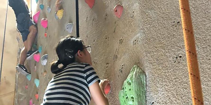 rockclimbing3.jpg