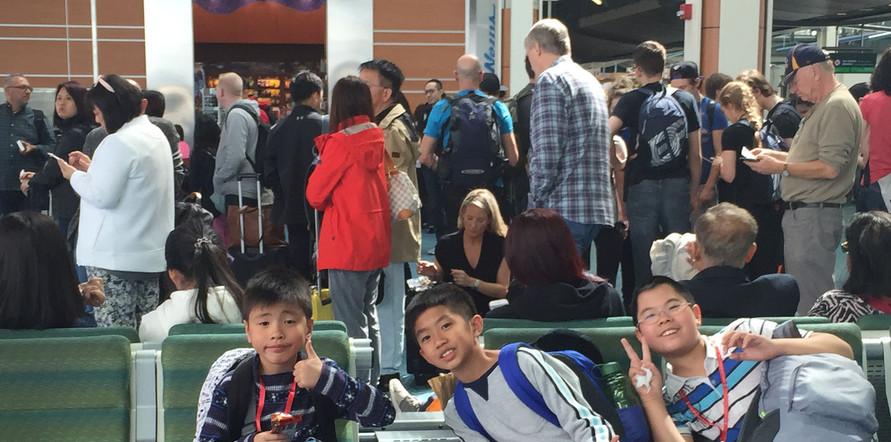 DepartureForHongKong01.jpg