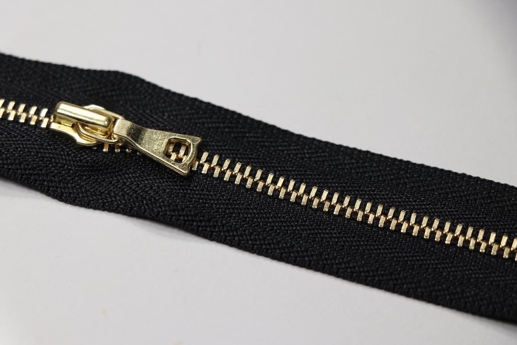 エクセラ /ゴールデンブラス(ブラック580)