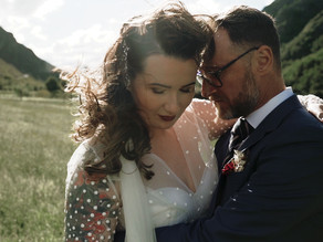 Rhian + Stuart - Windy Winehouse Wedding