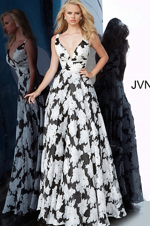 JVN 00825 Black/Ivory