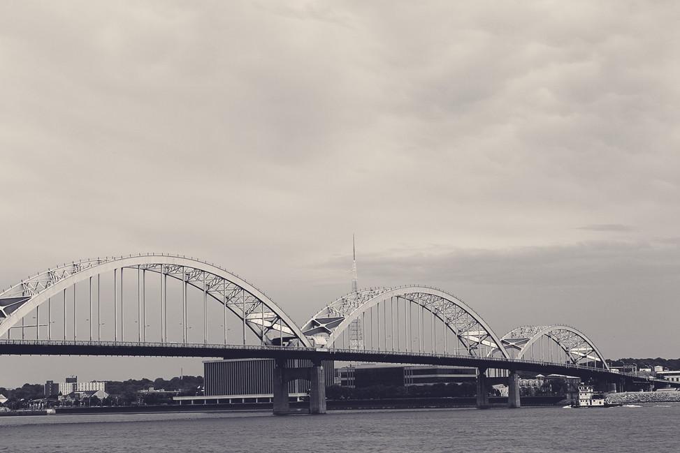 Centennial Bridge aphrodite.jpg