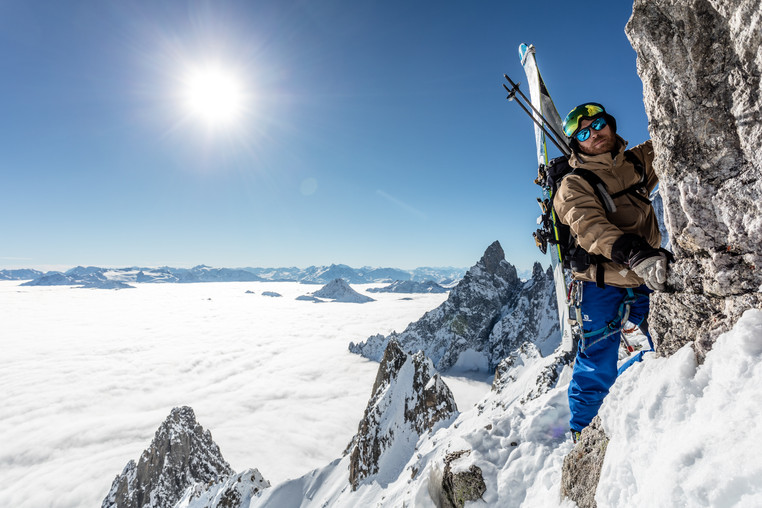 Alex Mills - Skylift, Courmayeur, Italie