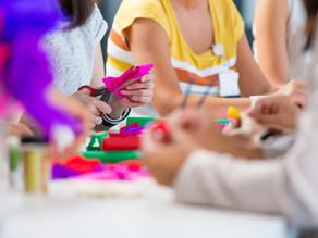 Các hoạt động nghệ thuật người chăm sóc có thể chơi cùng trẻ tại nhà
