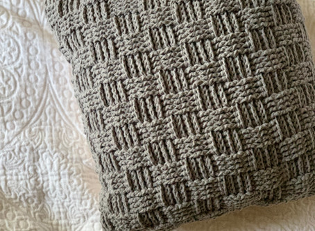 Basketweave Throw Pillow- free crochet pattern
