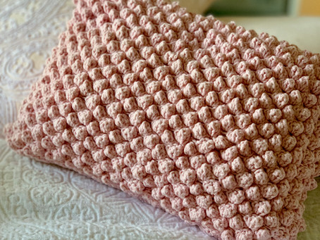 FREE PATTERN- Popcorn Stitch Throw Pillow
