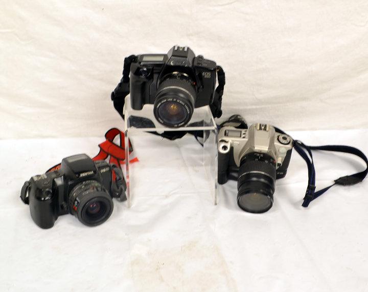 Assorted period 35mm cameras