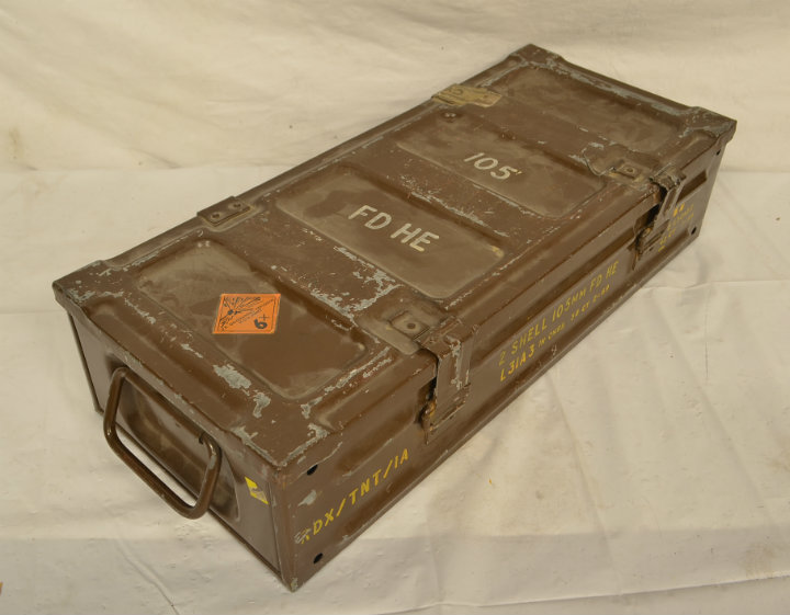 Metal military 105mm FD HE case