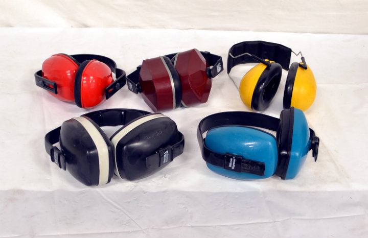 Assorted ear cans