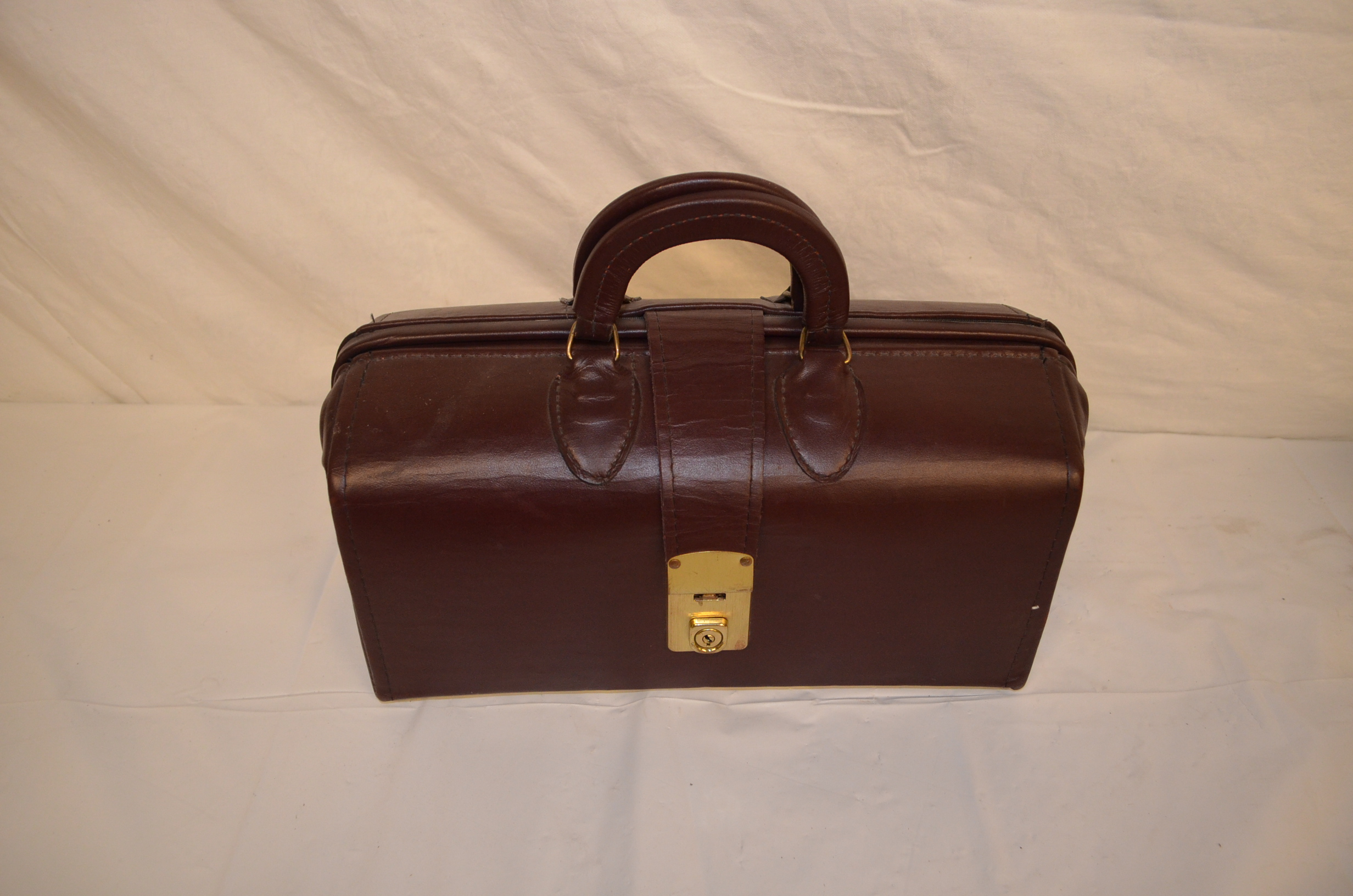 Period leather doctors bag