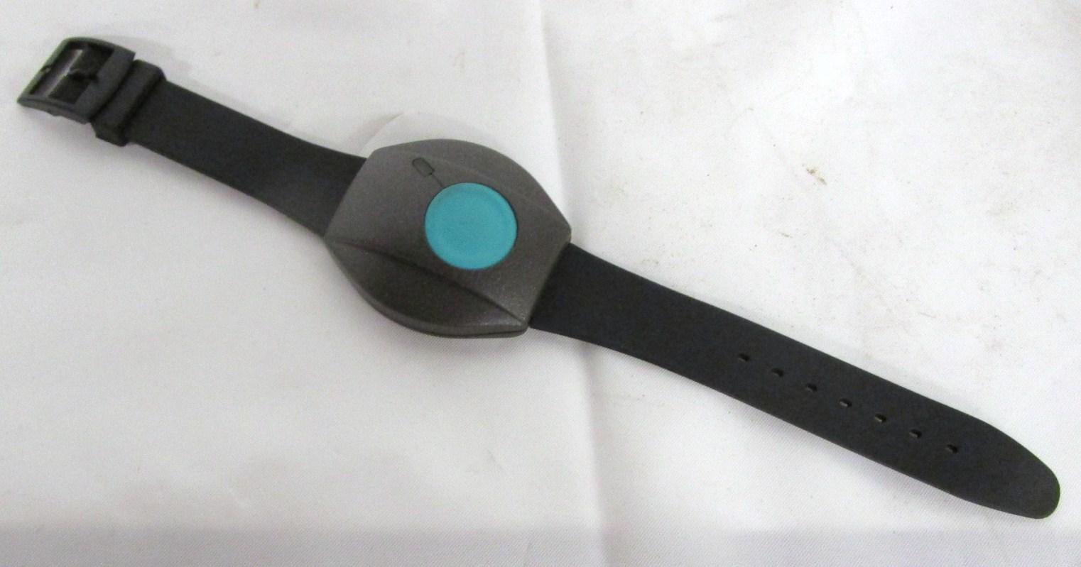 Wrist tracking device