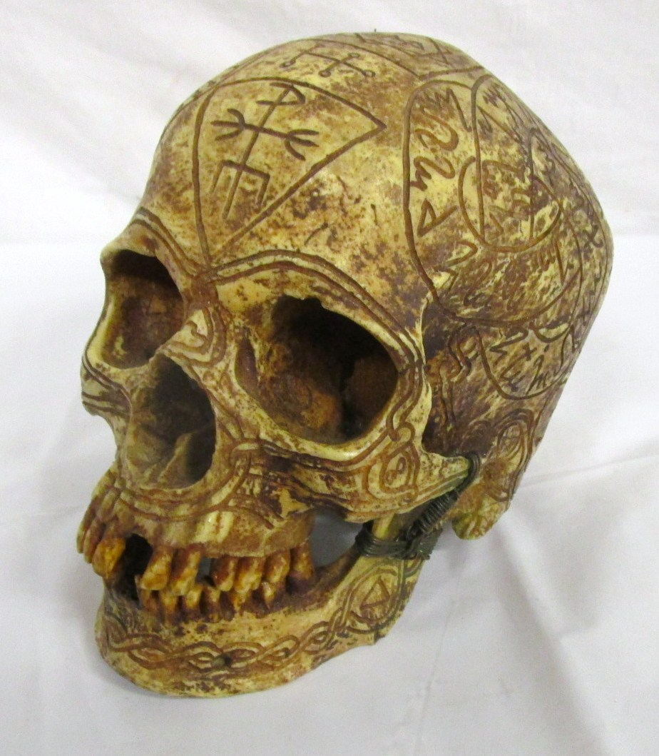 Prop skull - occult