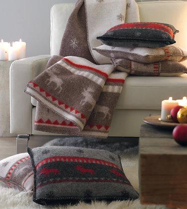 Wolldecke und Kissen mit Elch