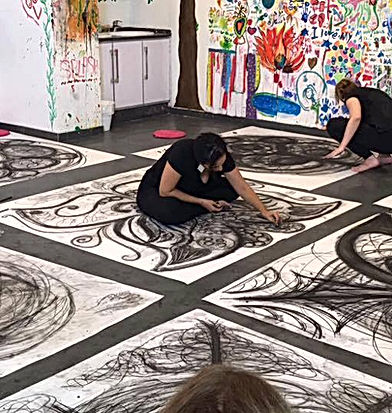 perfomance art Drawing your movement
