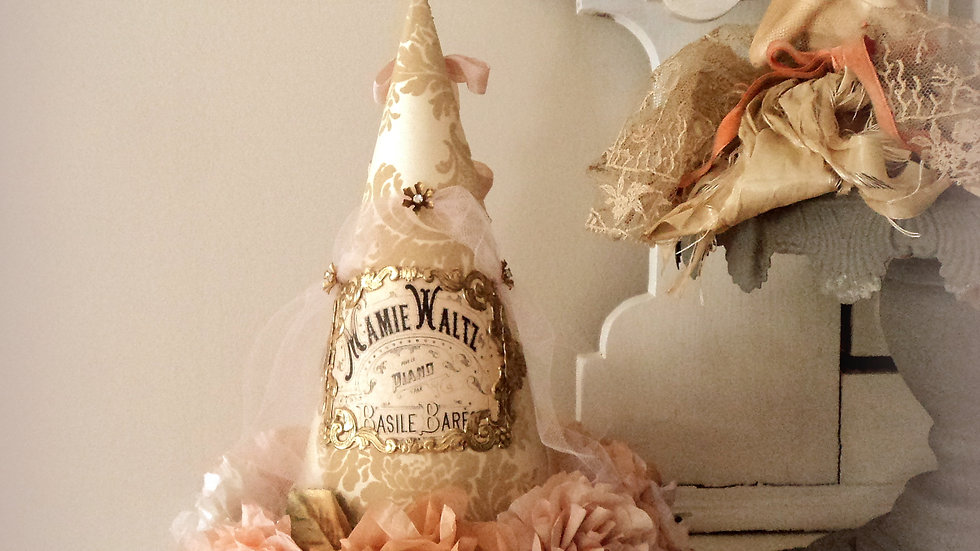 Mamie Waltz Party Hat