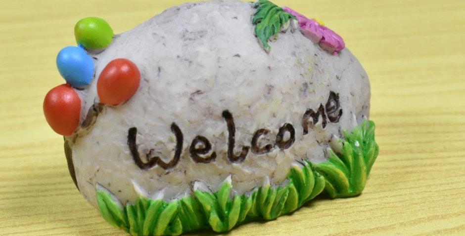 """โมเดลก้อนหินในสวนขวด """"Welcome"""""""
