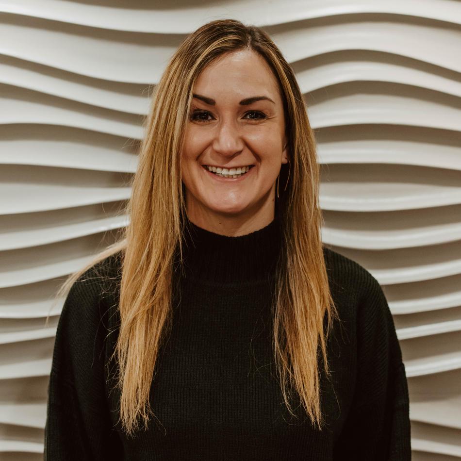 Anna Allen • Receptionist