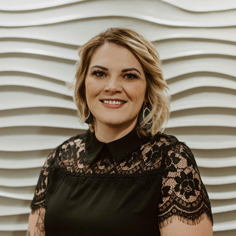 Kristy Hennies • Cosmetologist