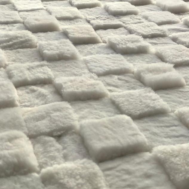 Patagonian Checkers Natural White sheeps