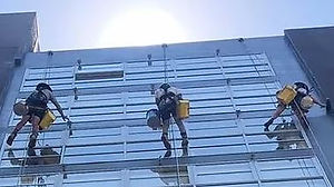 rope access painting.JPG
