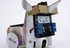Smartibot-crafty-robot_dezeen_2364_sq_1-