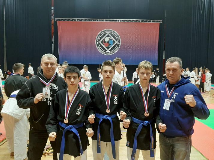Наши спортсмены успешно выступили в Чемпионате и Первенстве России по ВБЕ Кобудо.
