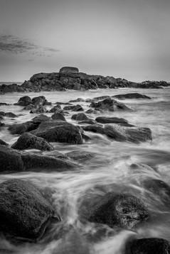 Pose longue sur les rochers