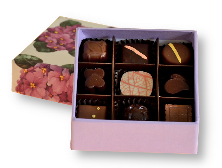 Flower gift box with 9 chocolates