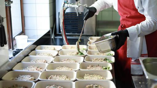 Fondazione Mater distribution de repas à Genève.