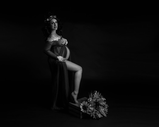 Charlene Maternity-10.jpg