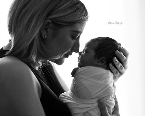 Mother and newborn baby portraits in Hertfordshire