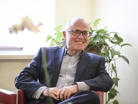 Profesorius Davidas Buckinghamas: medijų švietimas tapo politikų futbolo kamuoliu