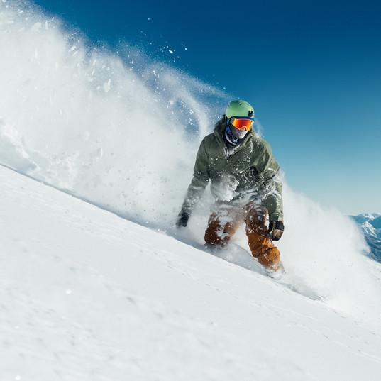 Snowboarding in Briancon