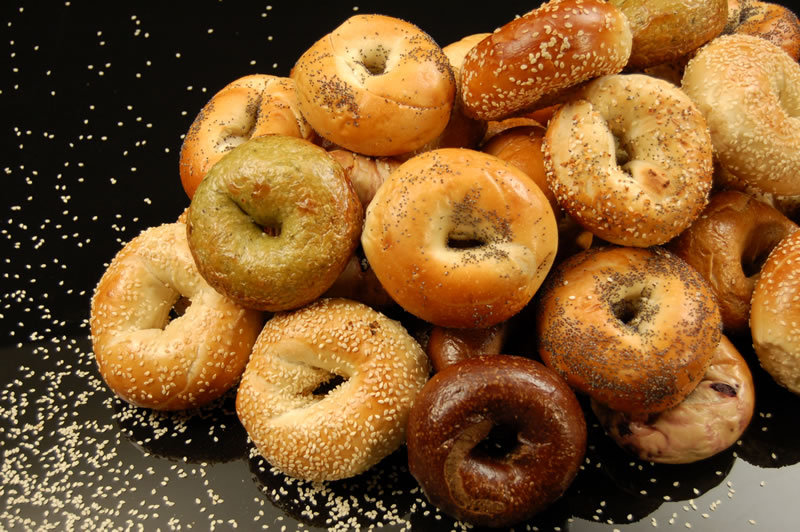 fresh-baked-bagels-4268-lg.jpg