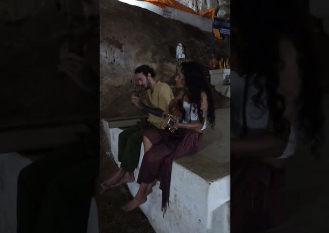 Om Mani Padme Hum - Dominique Zuniga & Hernan Suarez
