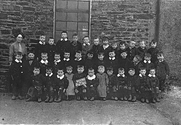 moneenroe 1913 with teacher 1.jpg