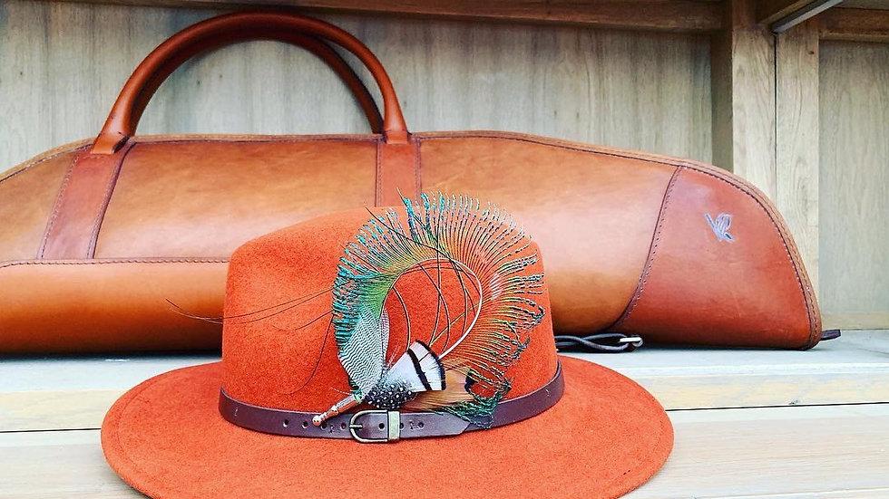 Pack «chapeau brique + broche au choix»