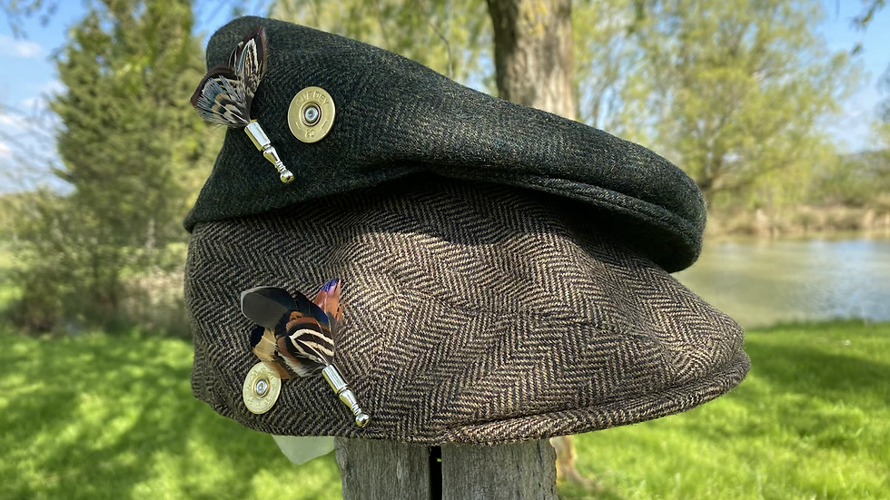 Pack «Casquette style Anglaise+ broche »