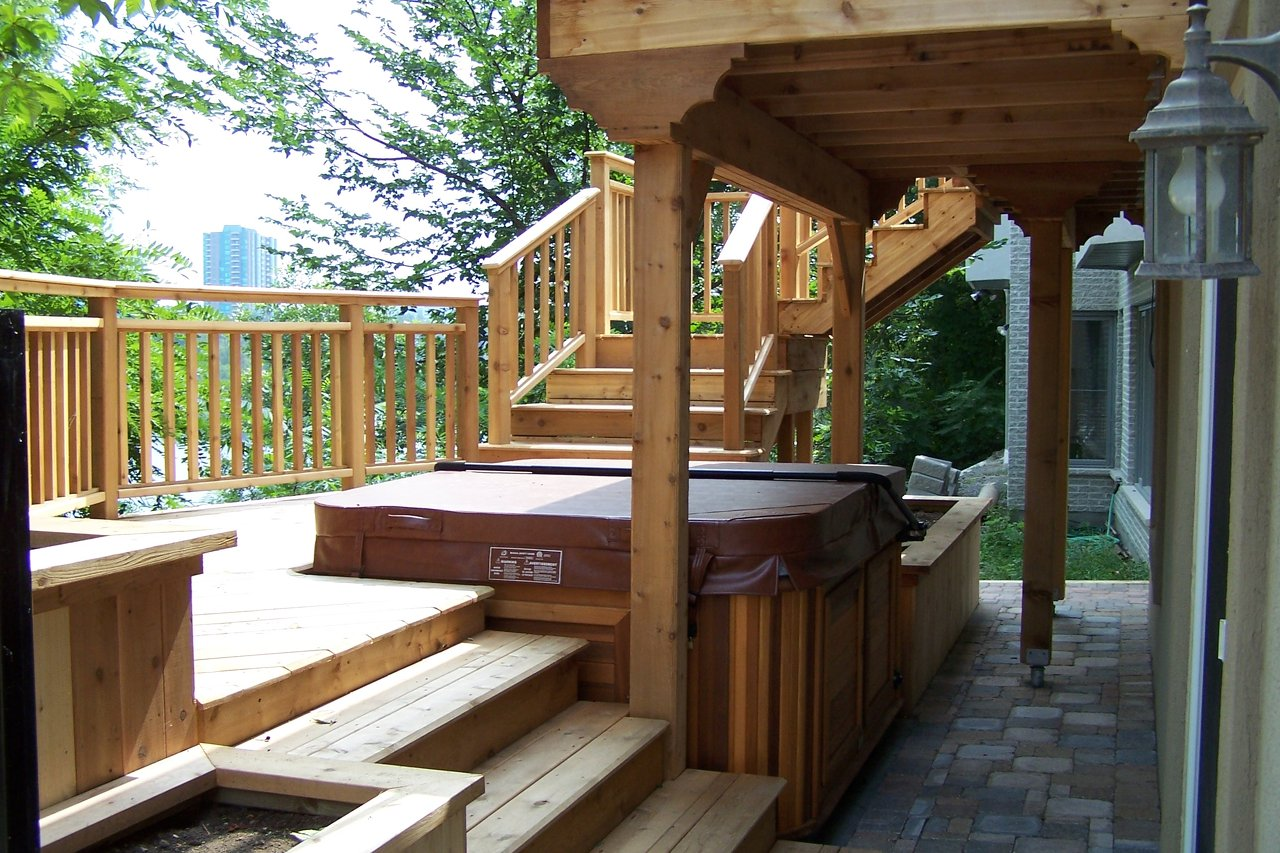 Second Level Deck, Hot Tub