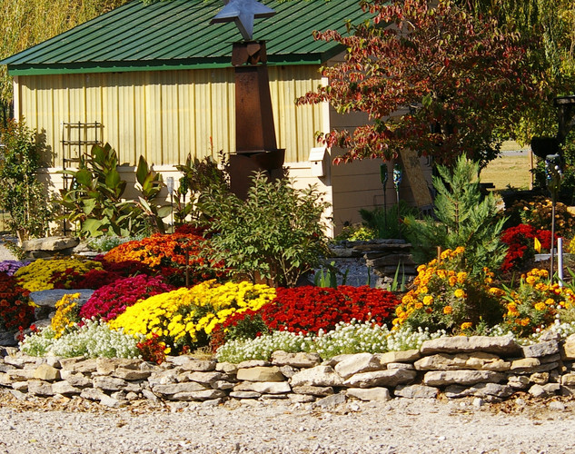 Lanthier Winery autumn garden.jpg