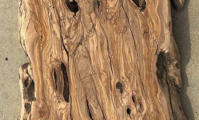 לוח עץ זית