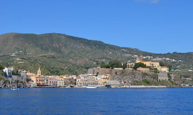 Bootstouren Italien - der Hafen von Lipari