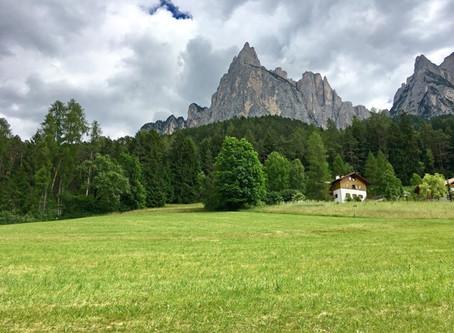 Schlemmen in Südtirol: Genussurlaub vor hochalpiner Bergkulisse