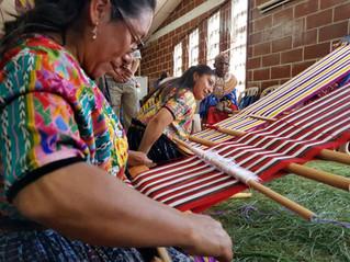 Mueres indígenas tejedoras de nuestra historia